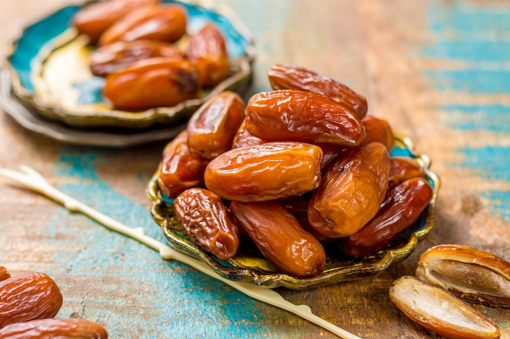 Benefits of eating dates for women